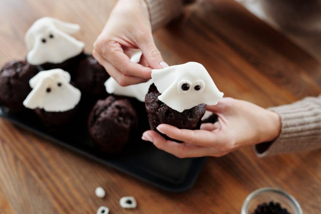 Halloween baking fundraiser